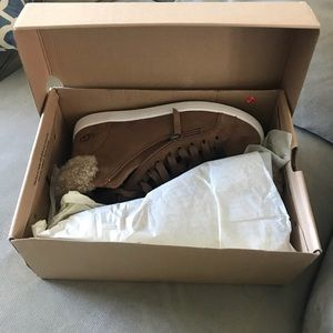 Ugg sneakers size 10, brand new